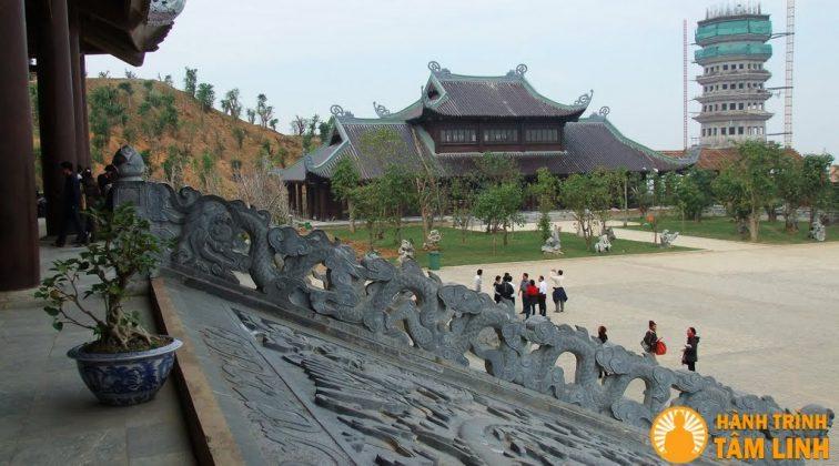 Bên hữu tòa Bên tả tòa Mái hồi của tòa Điện tam thế chùa Bái Đính