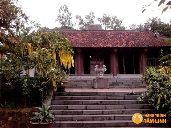 Chánh điện chùa Cầm Thực (Yên Tử)