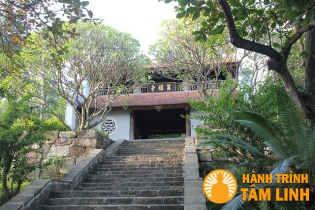 Cổng chùa Phật Tích (Tiên Du,Bắc Ninh)