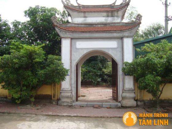 Cổng sau chùa Trình