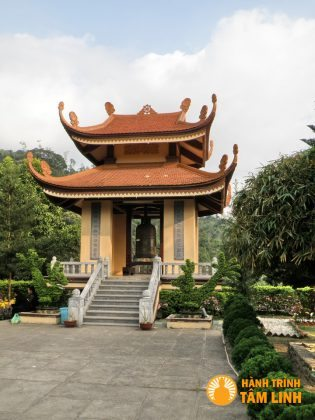 Tháp Chuông chùa Lân