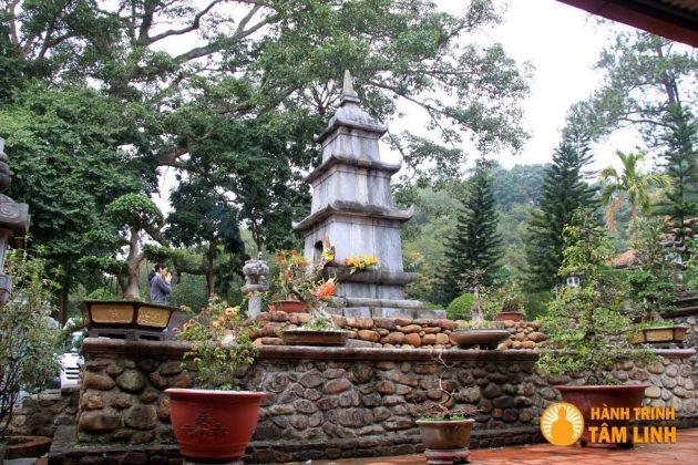 Tháp Tịch Quang thờ thiền sư Chân Nguyên