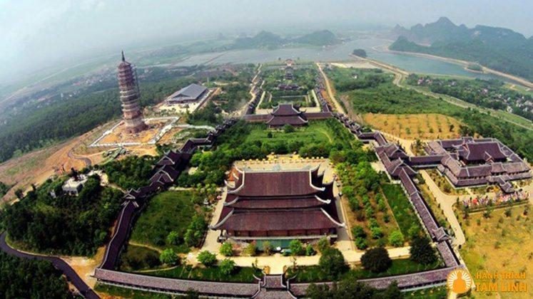 Toàn cảnh chùa Bái Đính (Ninh Bình)
