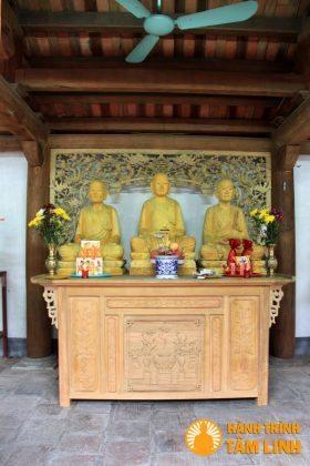 Trong tổ đường chùa Suối Tắm