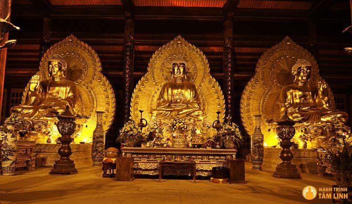 Tượng tam thế phật chùa Bái Đính