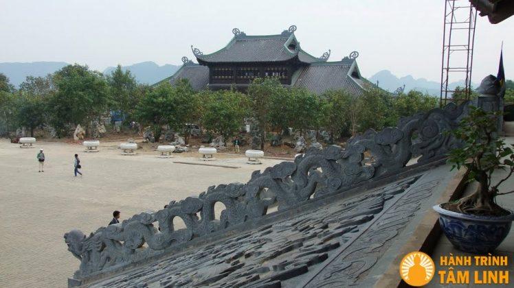 Bên tả tòa Mái hồi của tòa Điện tam thế chùa Bái Đính