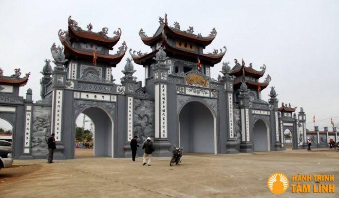 Cổng chùa Trình (chùa Bí Thượng)