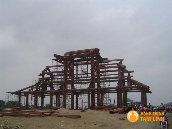 Cổng tam quan nội chùa Bái Đính bắt đầu xây dựng