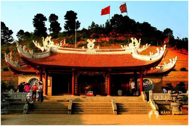 Đền thờ quốc tổ Lac Long Quân (Đền Hùng Phú Thọ)