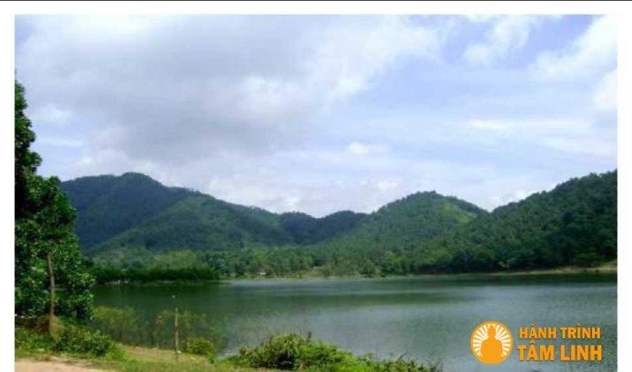 Hồ Đông Quan đền gióng ( Sóc Sơn,Hà Nội)