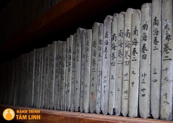 Kinh thư in khắc trên gỗ