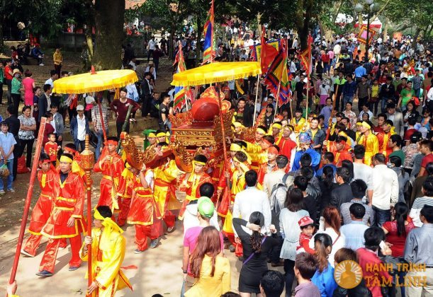 Lễ rước Cầu húc hội đền Gióng (Sóc Sơn)