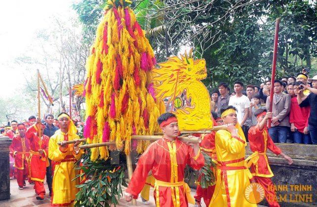 Lễ rước hoa tre hội Gióng (Sóc Sơn)