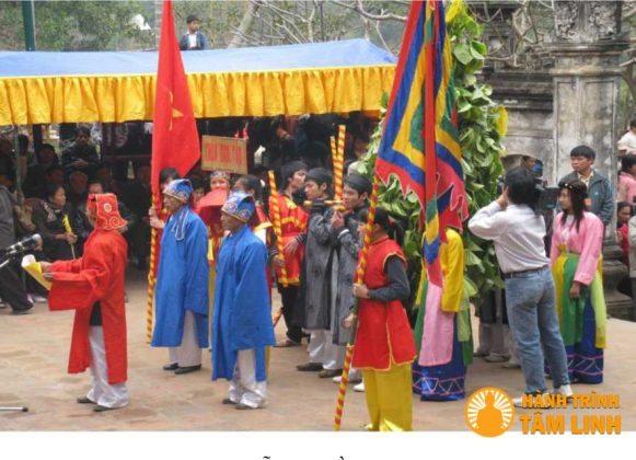Lễ rước trầu cau hội Gióng (Sóc Sơn)