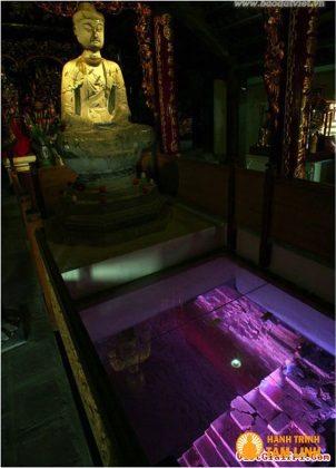 Phật A Di Đà bằng đá xanh