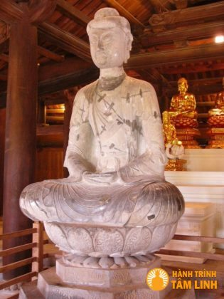 Tượng adida bảo vật trấn sơn chùa Phật Tích (Tiên Du,Bắc Ninh)