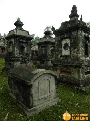Vườn tháp chùa