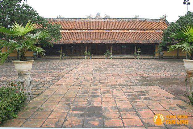 Chính điện cung DIên Thọ - Hoàng Thành Huế