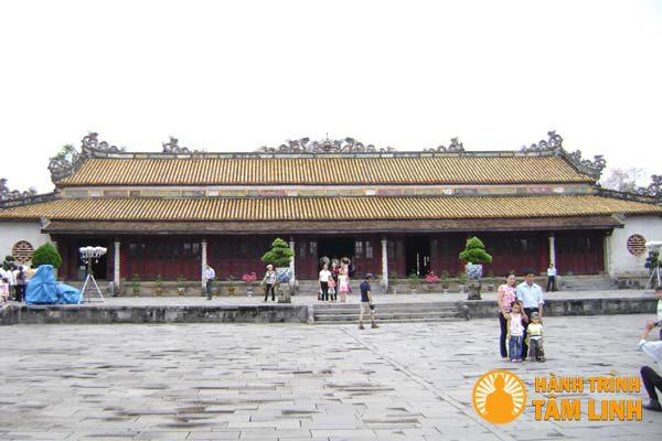 Điện Thái Hòa và sân Chầu - Hoàng Thành Huế