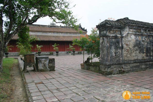 Lăng Dực Đức - Cụm di tích ngoài kinh thành Huế