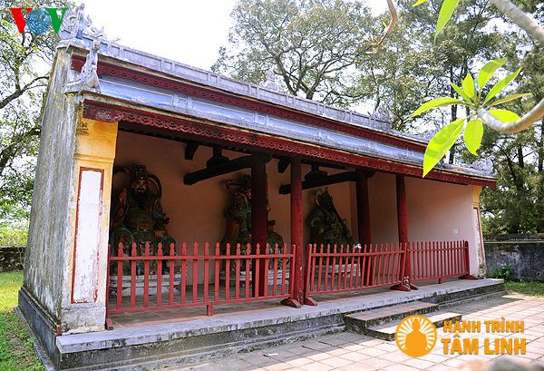 Nhà Lôi gia chùa Thiên Mụ ( Thành phố Huế )