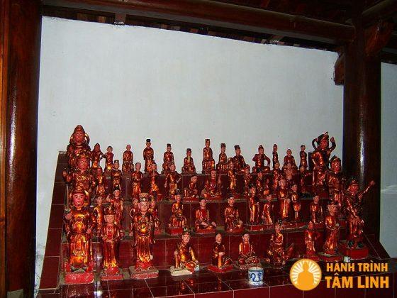 Các tượng phật trong chùa Trăm Gian ( Chương Mỹ, Hà Nội )