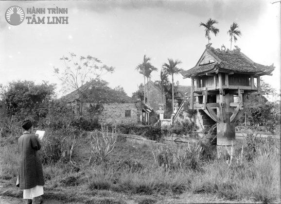 Quang cảnh chùa Một Cột xưa