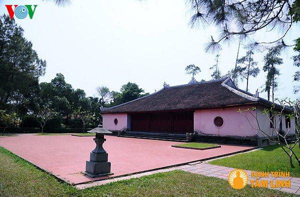Điện Quan Âm chùa Thiên Mụ ( Thành phố Huế )