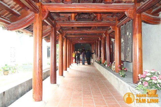 Hành lang chùa Trăm Gian ( Chương Mỹ, Hà Nội )
