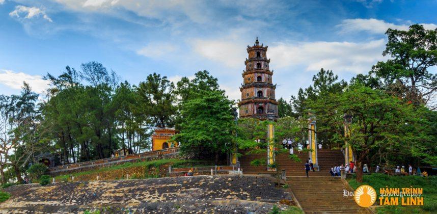 Tháp Phước Duyên chùa Thiên Mụ ( Thành phố Huế )