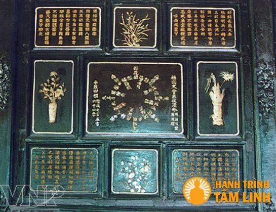 Trang trí khảm – thi họa – hoa văn ở ô hộc ở điện Long An