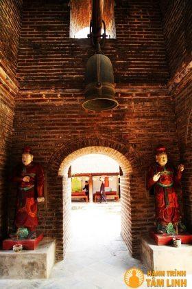 thiên vương trong tháp Hòa Phong ( chùa Dâu ) - Bắc Ninh