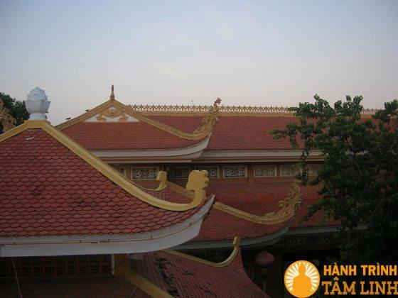 Mái chùa Hoằng Pháp