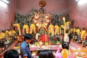 Đi chùa Ngọc Hoàng cầu con