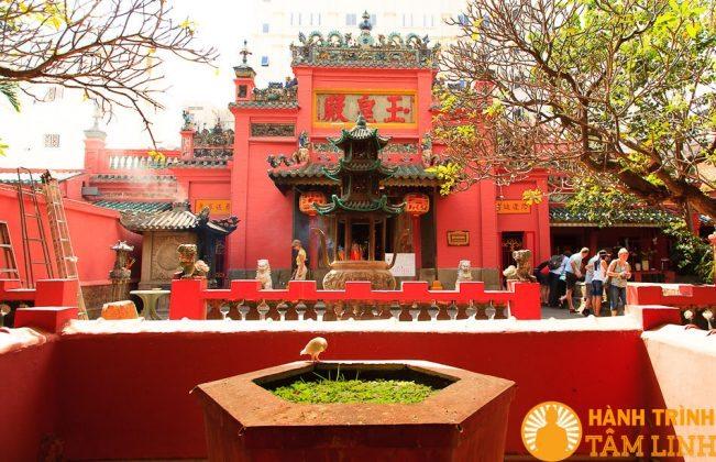 cảnh chùa Ngọc Hoàng