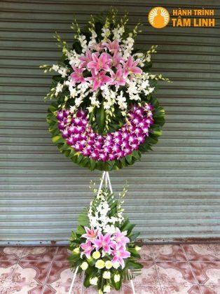 Vòng hoa phúng viếng