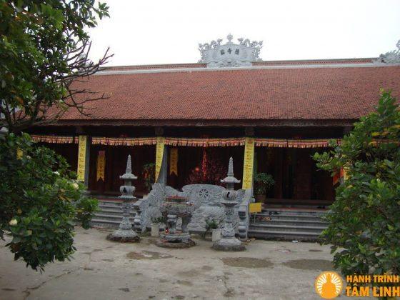 Chánh điện chùa Hộ Quốc