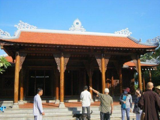 Chánh điện chùa Linh Sơn
