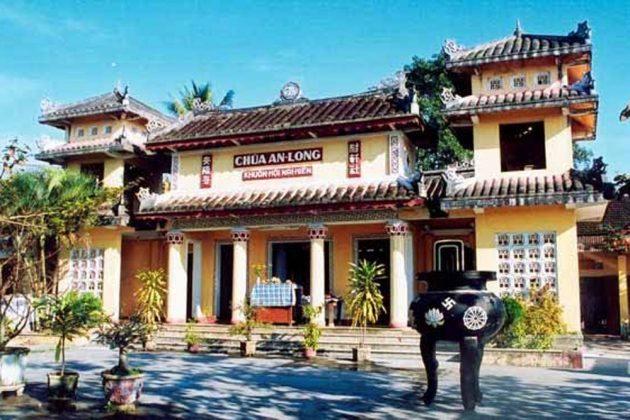 Chính điện chùa Long Thủ