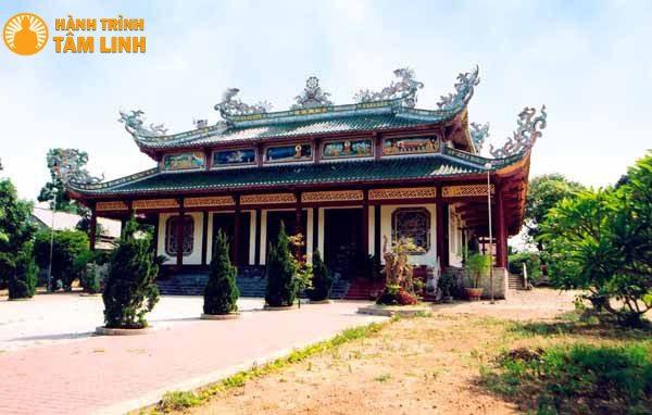 Chính điện chùa Tịnh Quang