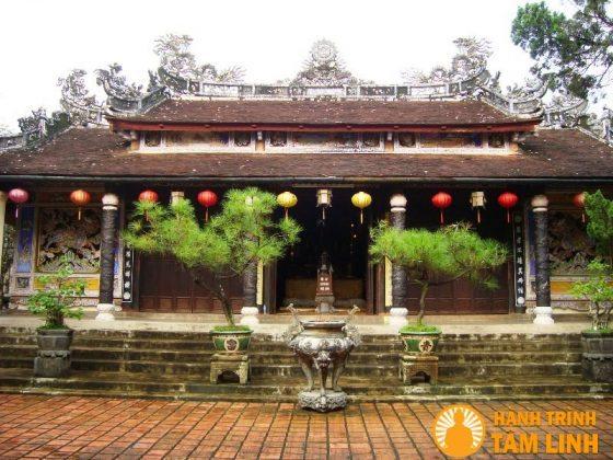 Chính điện chùa Từ Hiếu