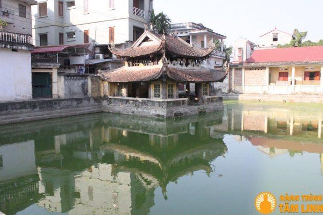 Thủy đình chùa Nành
