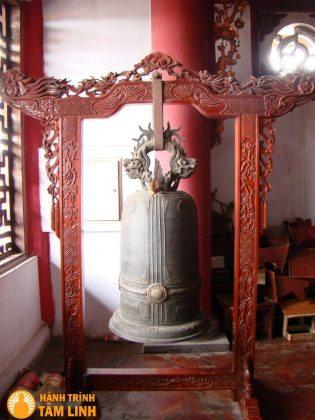 Chuông cổ chùa Đỏ