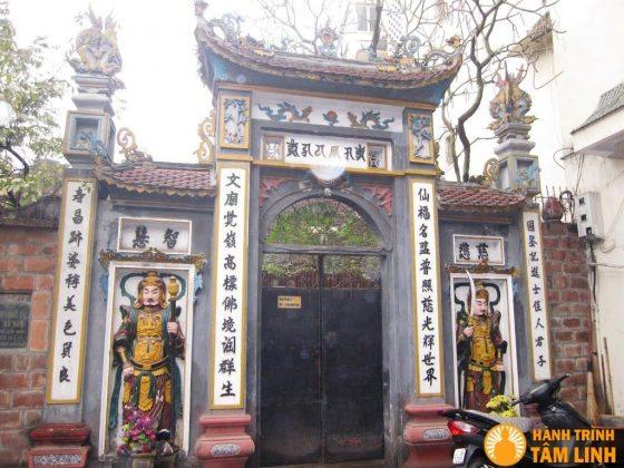 Cổng chùa Tiên Phúc
