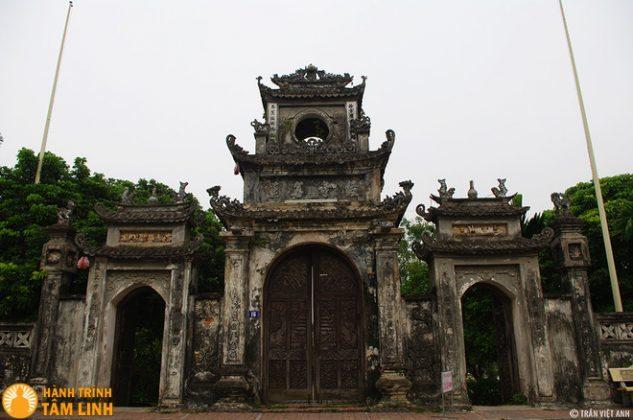 Cổng tam quan chùa Chuông (Phố Hiến, Hưng Yên)