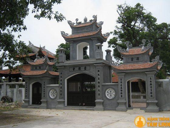 Cổng tam quan chùa Nhất Trụ