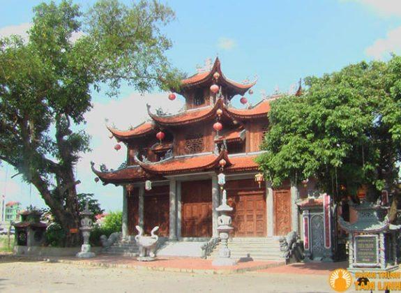 Cổng tam quan chùa Thành