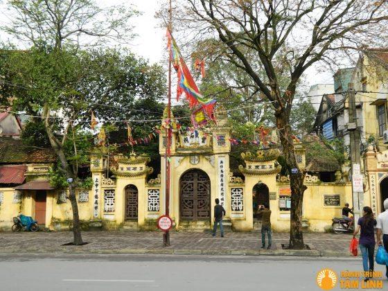 Cổng tam quan chùa Vũ Thạch