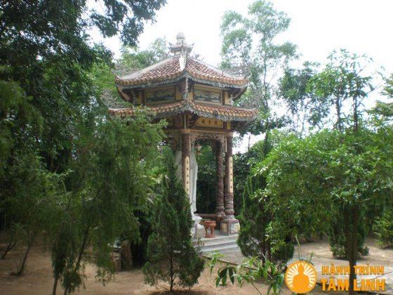 Đài quan âm của chùa