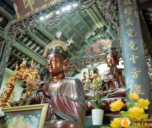 Điện thờ Tam Bảo